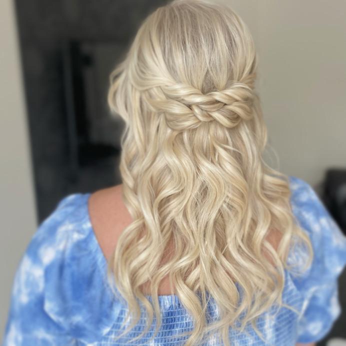 Beach waves and twisted half up half down style - Make Me Bridal Artist: Zoe Sharman hair and makeup. #halfuphair #beachwaves #twistedupdo #blondebride