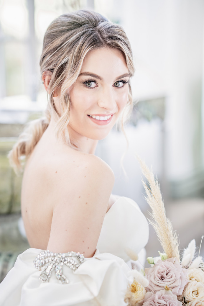 Natural make-up done on model Hannah for a Styled Photoshoot at Hawkstone Hall and Gardens. - Make Me Bridal Artist: SJM Beauty | Make-up Artist. Photography by: Victoria Amrose Photography. #classic #vintage #glamorous #weddingmorning #bridalmakeup #bridalhair #bridalprep #naturalbeauty #cleanbeauty