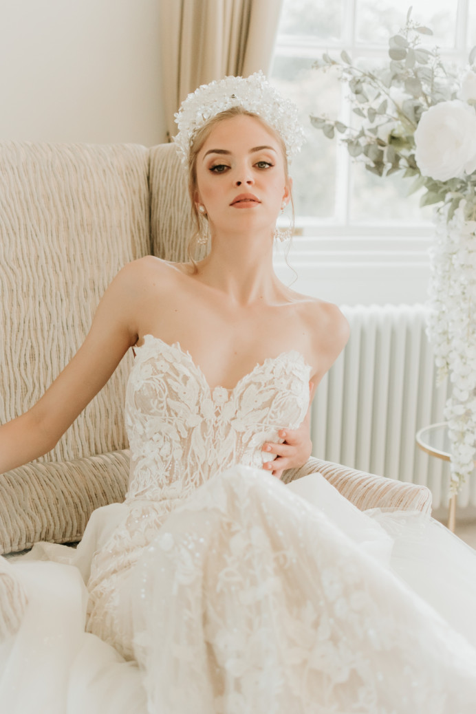 Inspiration photoshoot at Bourton Hall Wedding venue - Make Me Bridal Artist: SJM Beauty | Make-up Artist. Photography by: Stephanie Morgan. #classic #vintage #naturalmakeup #bridalmakeup