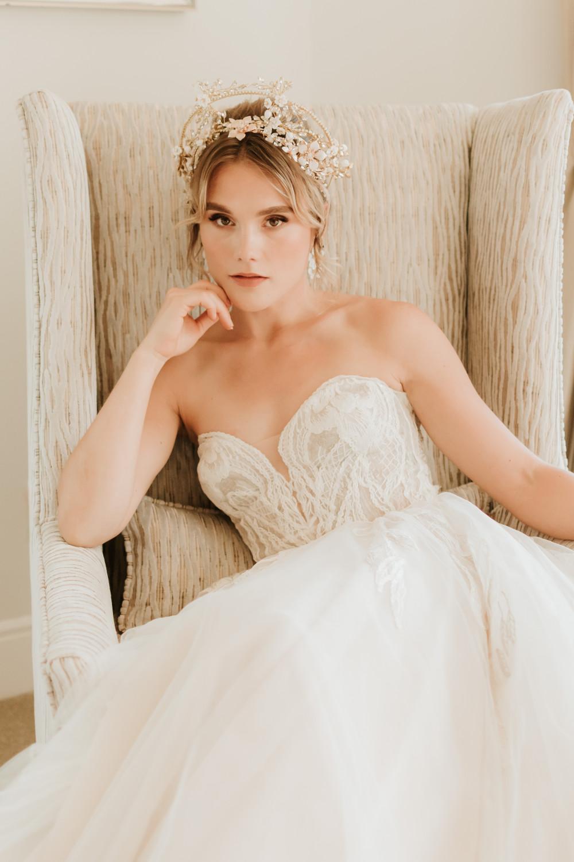 - Make Me Bridal Artist: SJM Beauty | Make-up Artist. Photography by: Stephanie Morgan. #classic #vintage #naturalmakeup #bridalmakeup #bridalparty #classicmakeup