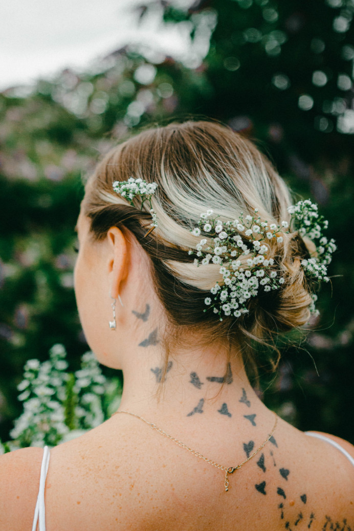 - Make Me Bridal Artist: Ellie Nightingale Makeup. Photography by: Darcie Thompson. #bohemian #boho #blonde #flowersinherhair #flowers #softupdo