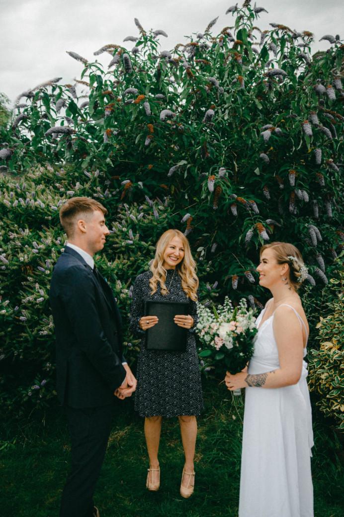 - Make Me Bridal Artist: Ellie Nightingale Makeup. Photography by: Darcie Thompson. #flowersinherhair #pretty #freshmakeup #summerwedding #endlesslove