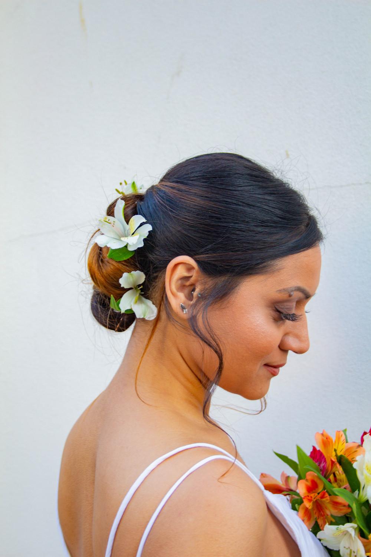 - Make Me Bridal Artist: Ellie Nightingale Makeup. Photography by: Darcie Thompson. #bohemian #flowersinherhair #softhairup #freshmakeup #summerwedding #summerbride #cleanbeauty