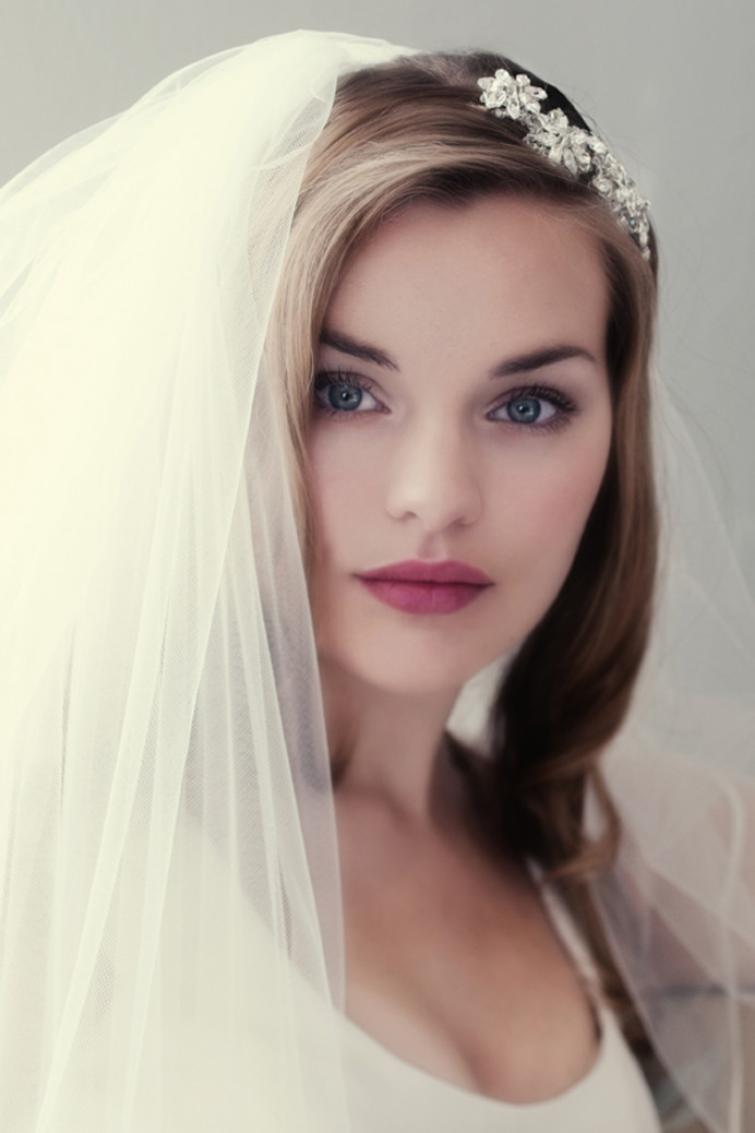 - Make Me Bridal Artist: Carolanne Armstrong Hair and Makeup. Photography by: Photography by Bea. #naturalmakeup #bridalmakeup #beauty #veil #flawlessmakeup