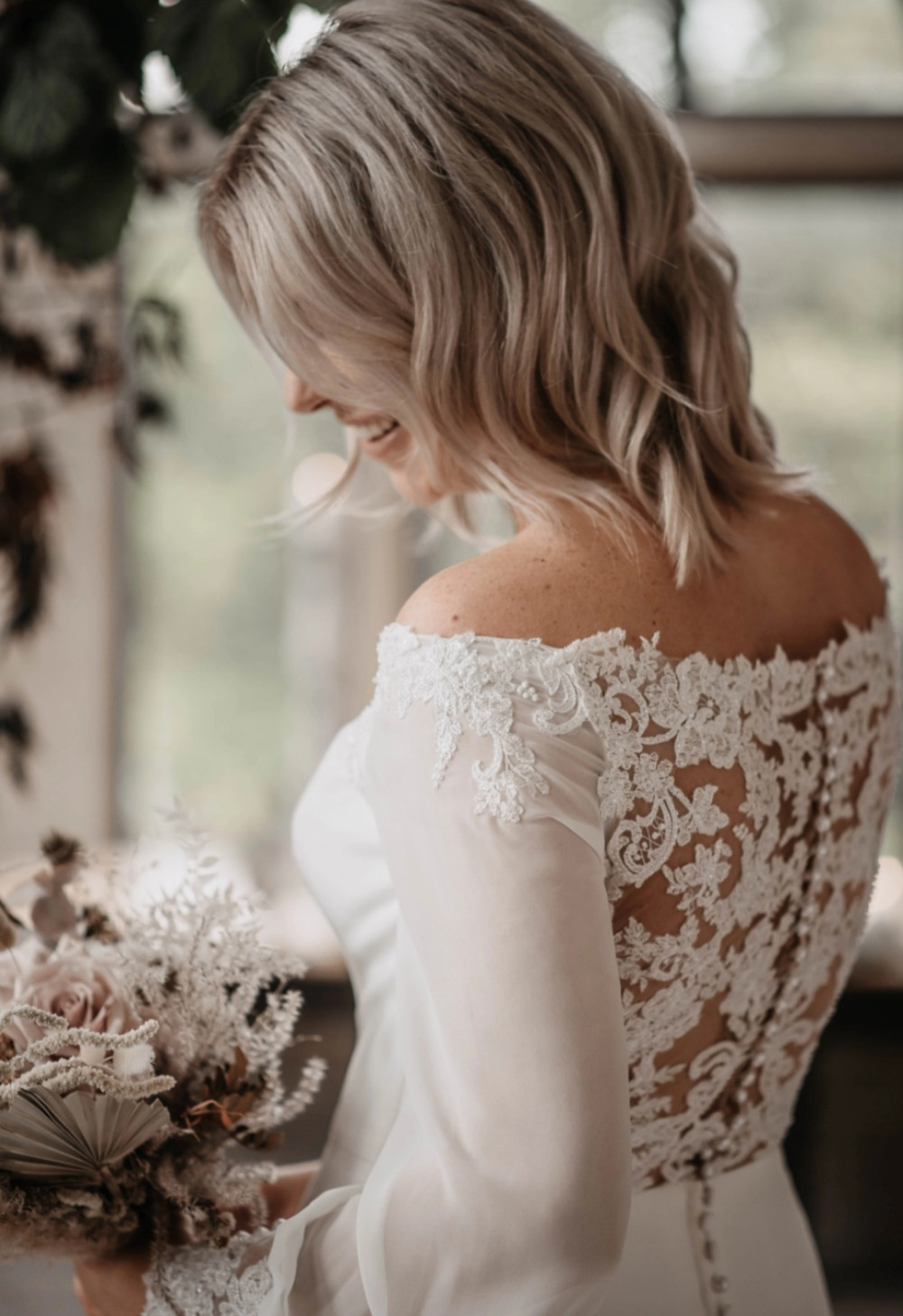 Beautiful Brides Curls - Make Me Bridal Artist: Elegant Bridal Hairstyling. Photography by: Willow & Wilde. #curls #bridalhair #weddinghair #smoothcurls #bridalhairstylist #loosecurls #waves