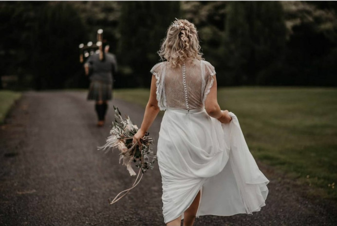 Bohemian Bride - Make Me Bridal Artist: Elegant Bridal Hairstyling. Photography by: Willow & Wilde. #bohemian #boho #blonde #bridalhair #bridalhairstylist #bohobride #bride #bohowedding #bohohair