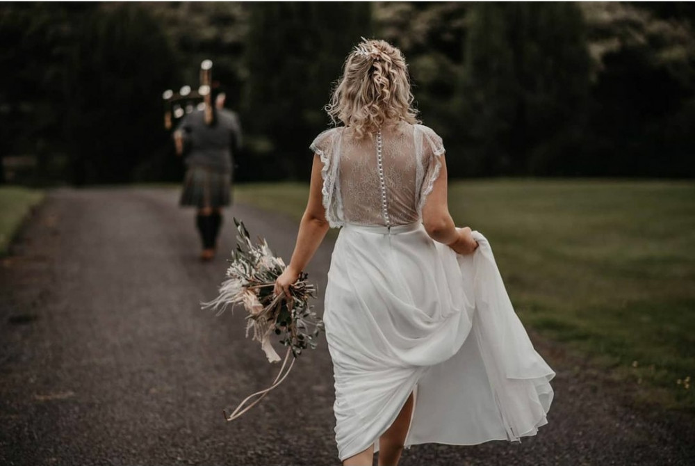 Bohemian Bride - Make Me Bridal Artist: Elegant Bridal Hairstyling. Photography by: Willow & Wilde. #bohemian #boho #blonde #bridalhair #bridalhairstylist #bohobride #bride #bohowedding #bohohair