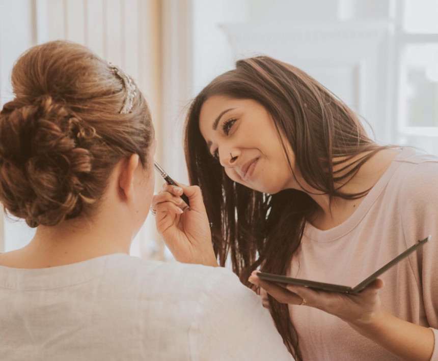Nipona Khan Professional Hair & Makeup Artist