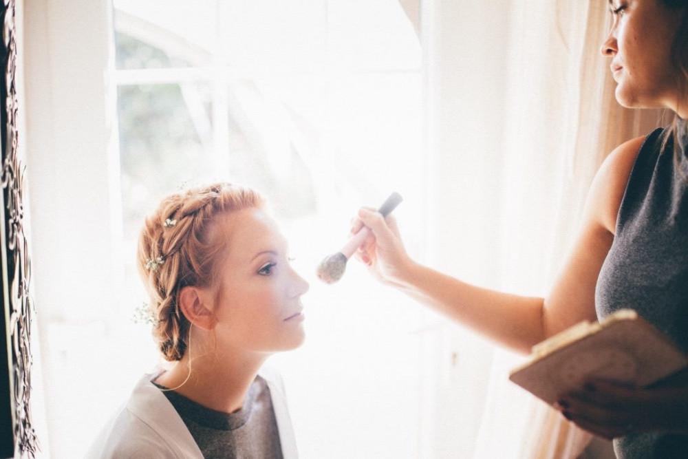 - Make Me Bridal Artist: Hannah joy mua . Photography by: John chapman photography. #vintage #boho