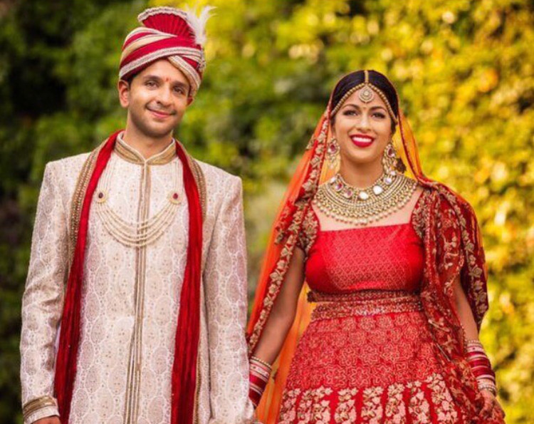- Make Me Bridal Artist: Olivia London HMB . Photography by: D2 Photography . #indianbride #italianwedding #indian #traditional #red #tuscany