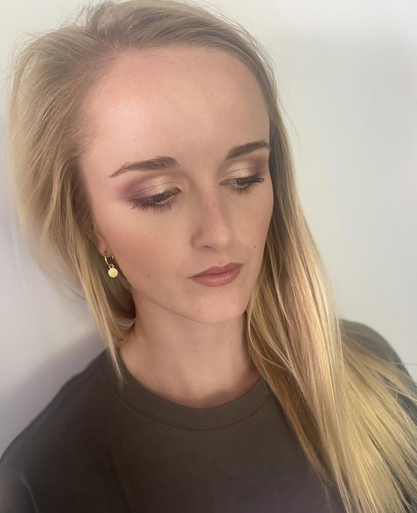 - Make Me Bridal Artist: Lauren Gent ✦ Hair & Makeup Artist. #bridalmakeup #weddinghairandmakeup #softglammakeup