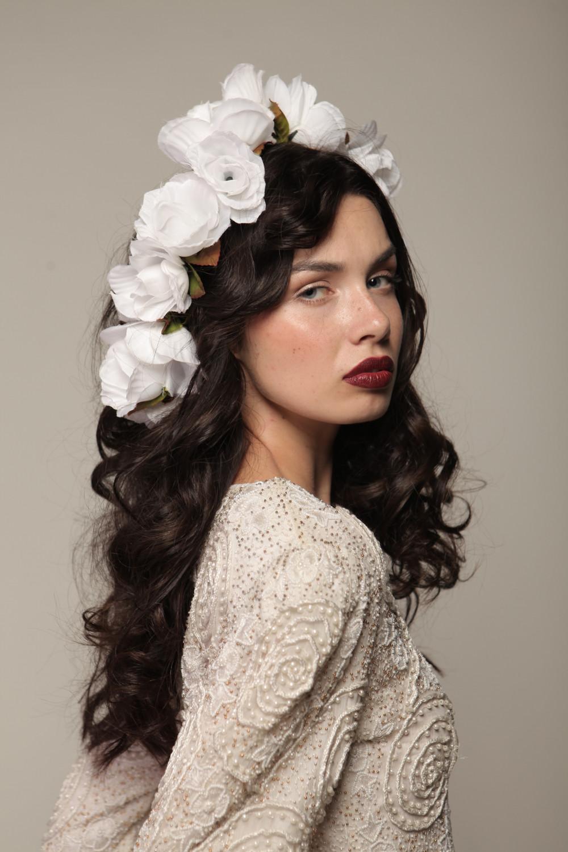 - Make Me Bridal Artist: Carolina Samper. #glamorous #redlip #flawlessskin
