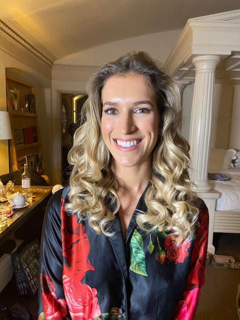 I like to be challenged and when this lovely bridemaid told me that her hair never holds curls, I proved her that she could achieve as long the right products are used for her hair. She was so happy - Make Me Bridal Artist: Carolina Samper. #glowingskin
