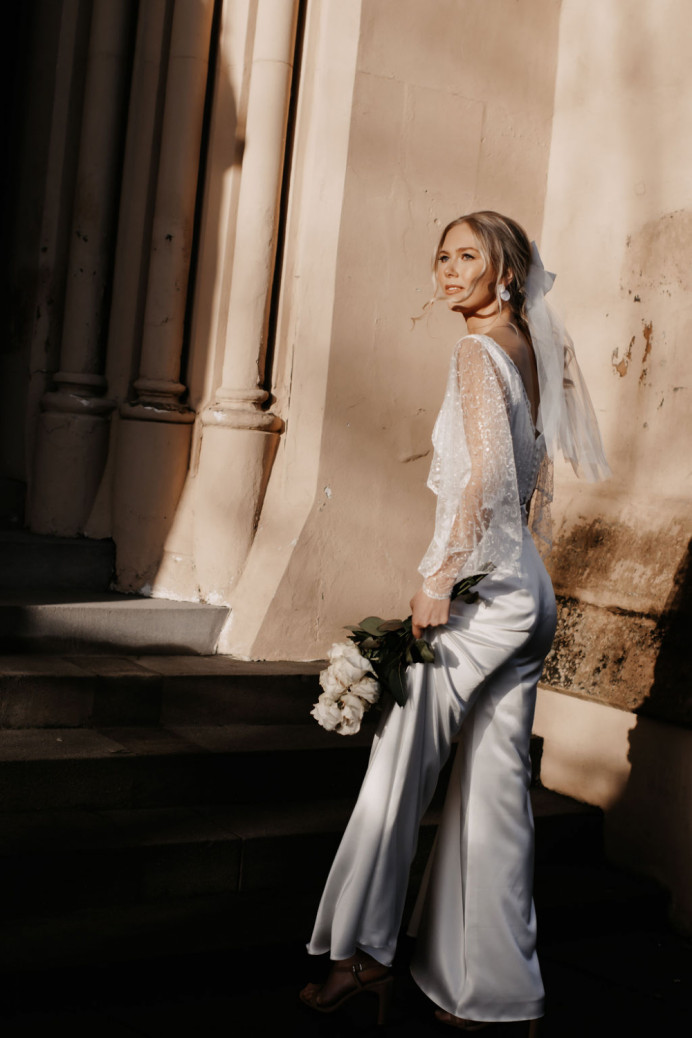 - Make Me Bridal Artist: Katie Malin Makeup Artist. Photography by: Vogue Wedding Photography. #glamorous #bridalmakeup #bridalhair #coolbride #elopement