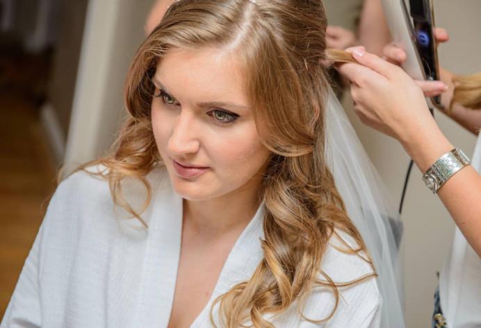 Bridal half up half down - Make Me Bridal Artist: Hairbydanielle. #halfuphair #bridalhair