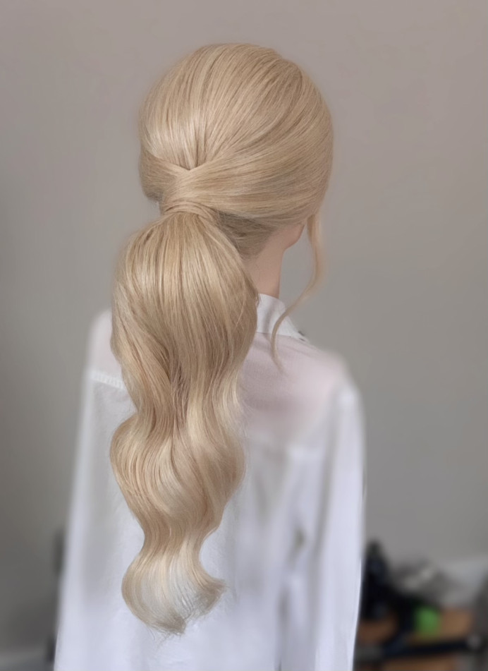Classic bridal posh pony - Make Me Bridal Artist: Hairbydanielle. #ponytail