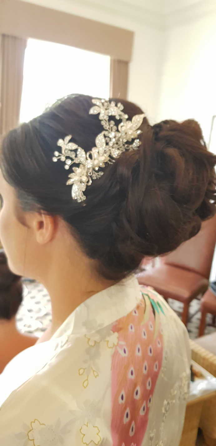Bride - Hair By Me - Make Me Bridal Artist: Hairbydanielle. #lowbun