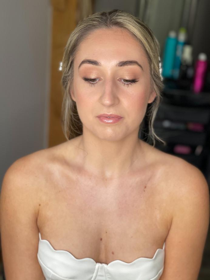 Classic natural bridal makeup - Make Me Bridal Artist: Hairbydanielle. #naturalmakeup #classicbride