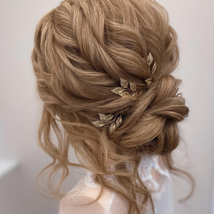 - Make Me Bridal Artist: Bridal hair by Michelle Jewess. Photography by: Michelle. #classic #bridalhair #relaxedupdo #lowbun #weddinghair #effortless