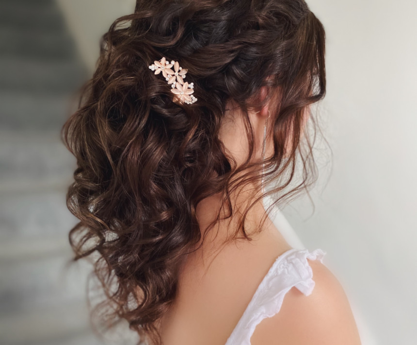 Bridal hair by Michelle Jewess