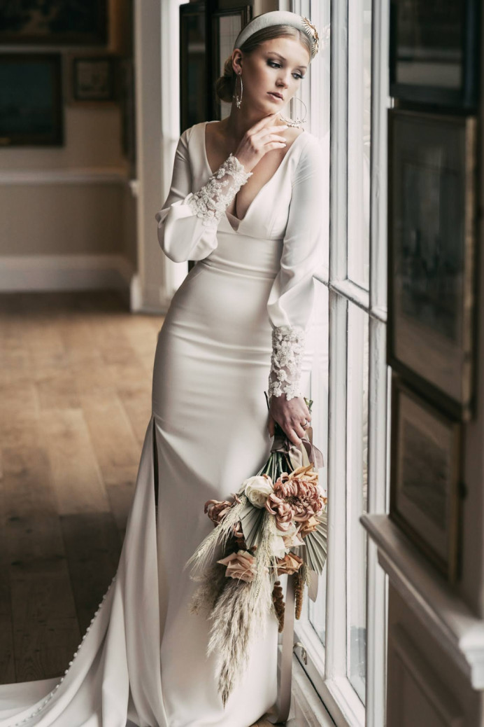 Hair and Makeup for this fantastic elegant and fresh shoot. Sometimes the most simple looks can be the most effective!  Credits... Hair: @hair_by_hare Makeup: @makeup_by_hare Florals: @harleysflowers Photography: @tcullenphotos Dress: @gillianrobertsbridal Hair accessories: @honeyvtiaras Model: @honey.edwardsm Venue: @trafalgartaverngreenwich Florals: @intothewildflorist Décor and styling: @angelsandgypsies Cake: @bespokebakes Stationery: @sweetopheliadesigns Balloons: @theballoonstylistlondon Boots: @houseofelliotlaceboots Videography: @diamond9productions - Make Me Bridal Artist: Hair by Hare. Photography by: Tom Cullen. #naturalmakeup #bridalmakeup #bridalhair #elegant #bridalhairandmakeup #dewyskin #weddinghairup #londonwedding #kentbridalmakeupartist #kentmakeupartist #freshmakeup #kenthairandmakeup #londonhairandmakeup #bridalglow #naturalbride
