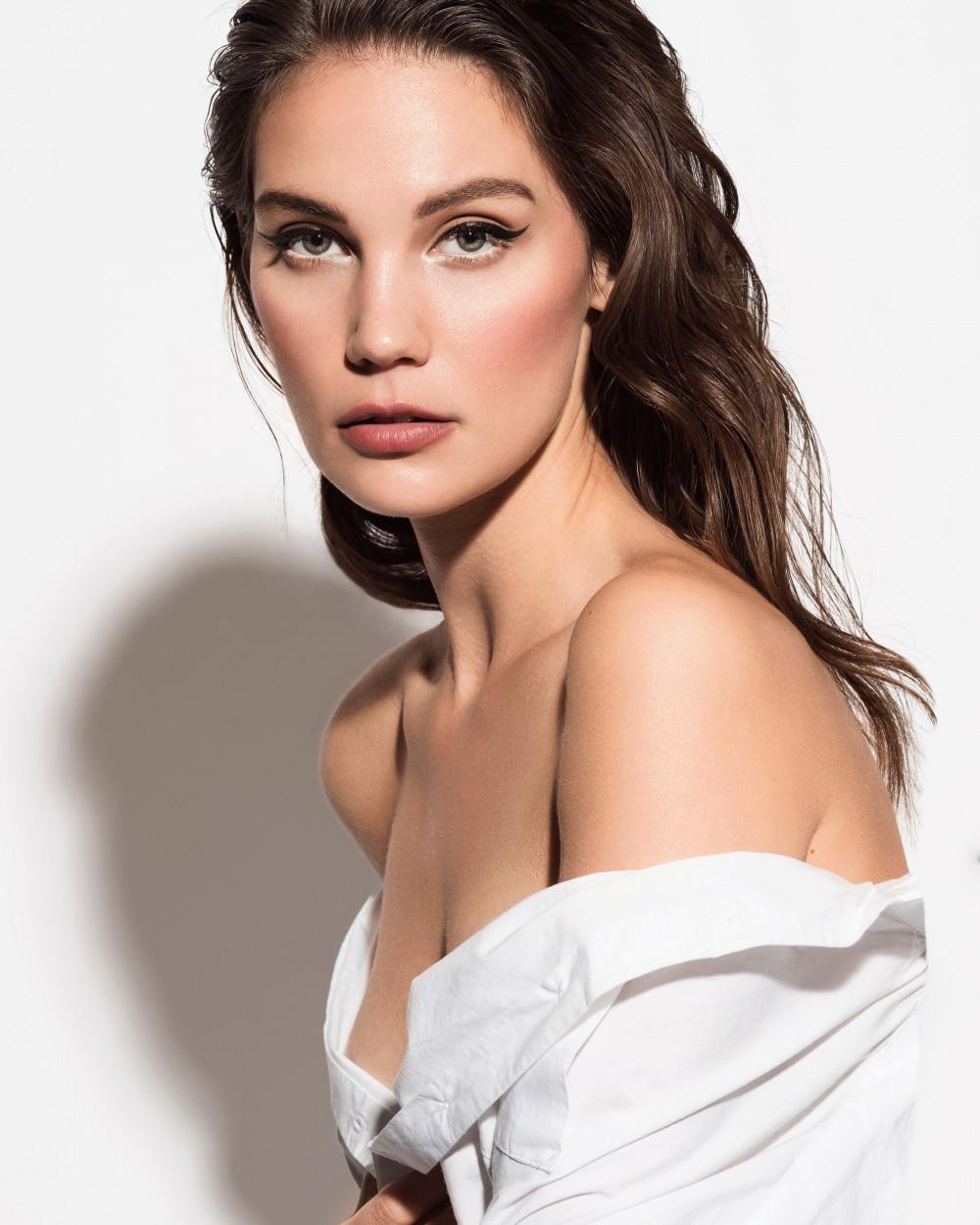 makeup by Bridal by Stefania www.bridalbystefania.co.uk - Make Me Bridal Artist: BridalbyStefania. Photography by: Jeff Tuliniemi. #naturalmakeup #eyeliner #editorial