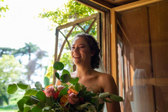 Bride at Nurstead Court, Kent. - Make Me Bridal Artist: Mels Brides. Photography by: Kizzy. #boho #kent