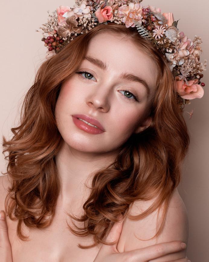 - Make Me Bridal Artist: Hannah Cliffe MUA. Photography by: Vera Change. #flowercrown #naturalmakeup