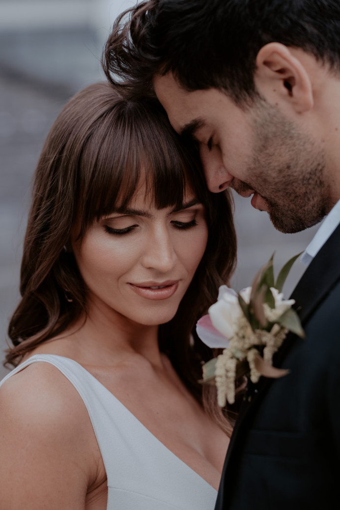 Angelic & soft, Flawless Base & Matte Skin-coloured shadows to lift, contour and open the eyes. A light rosey sheen has be chosen to colour the lip to bring all components of the blush together. - Make Me Bridal Artist: @iambridaluk. Photography by: Emily Robinson. #naturalmakeup
