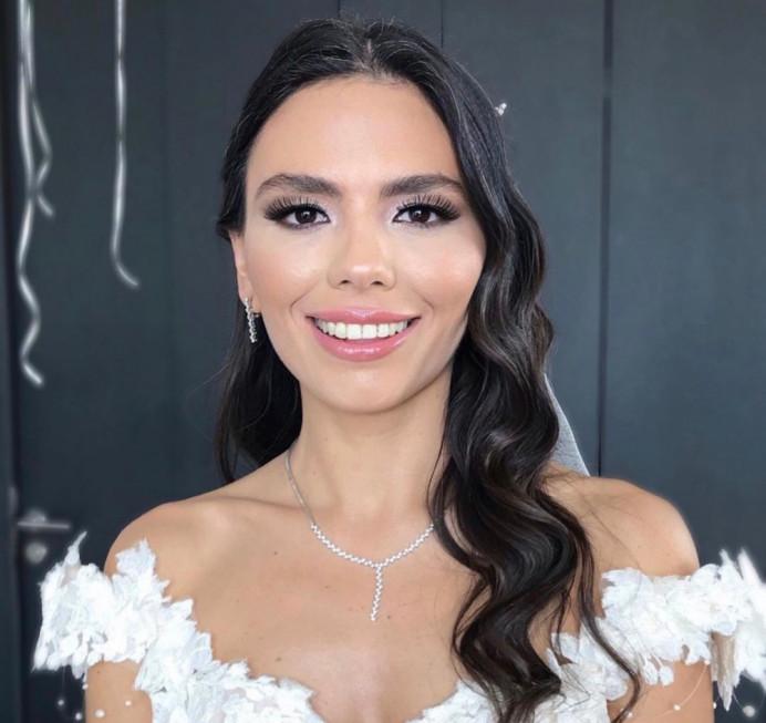 - Make Me Bridal Artist: Mandy Samra Makeup Artistry. #classic