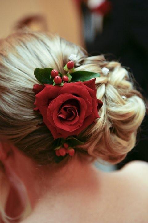 - Make Me Bridal Artist: Carla Crawford.