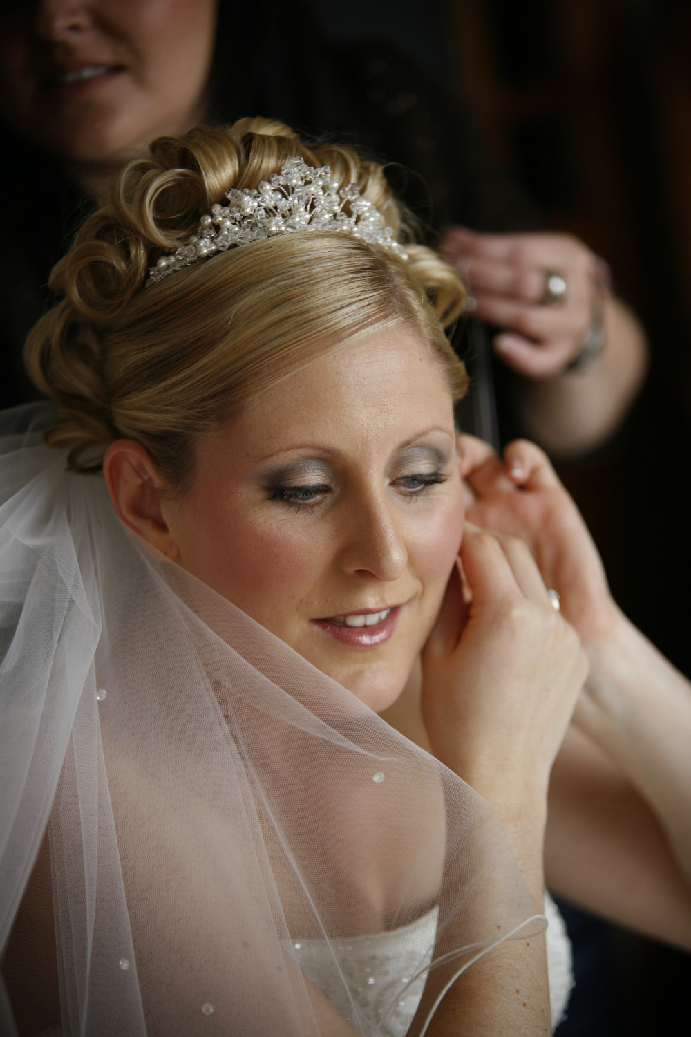 Lucy my August bride - Make Me Bridal Artist: Final touches.