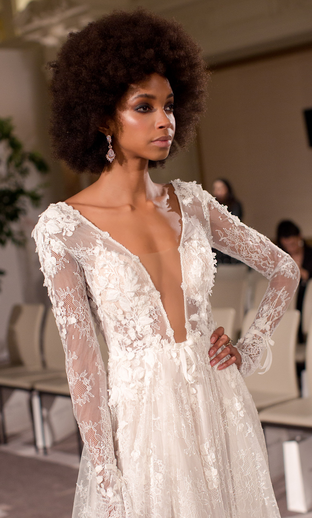 Berta Show - 2019 - Make Me Bridal Artist: Quelle Bester. Photography by: David Christopher Photography. #bohemian #classic #vintage #glamorous