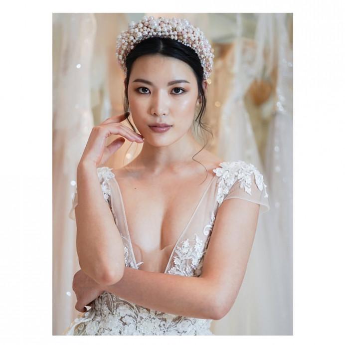 Berta Bridal - 2020 - Make Me Bridal Artist: Quelle Bester. Photography by: David C Photographer. #bohemian #classic #glamorous #naturalmakeup #smokeyeyes #smokeyeye #asianwedding #chinesebridalmakeup #asianbride #ponytail