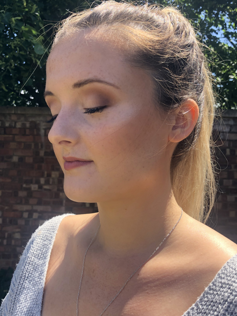 Trial makeup for a gorgeous Bride, keeping the skin glowing and fresh with a subtle smoke on the eyes - Make Me Bridal Artist: Gemma Davey Makeup. #naturalmakeup #bridalmakeup #glowingskin