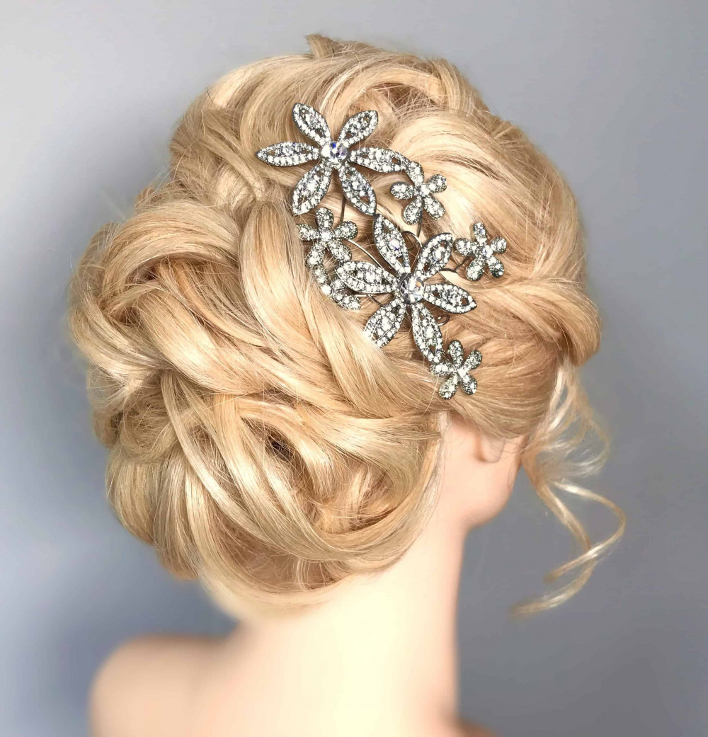 Lockdown hairstyling, keeping my practice up when I was unable to work - Make Me Bridal Artist: Amanda Roberts Hair & Makeup. #classic #vintage #updo #chignon #lowupdo #hairup #weddinghair