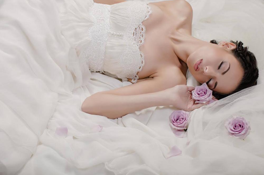 Beautiful ethereal bridal image that was taken for London Bride magazine. Makeup by ZydreZi. - Make Me Bridal Artist: ZydreZi. Photography by: Kamal Mostofi. #bohemian #classic #vintage #glamorous #naturalmakeup #bridalmakeup #airbrushedmakeup #perfectmakeup #weddingmakeup #winterwedding #beautifulbridalmakeup #londonwedding #weddingdress #naturalweddingmakeup #londonbride