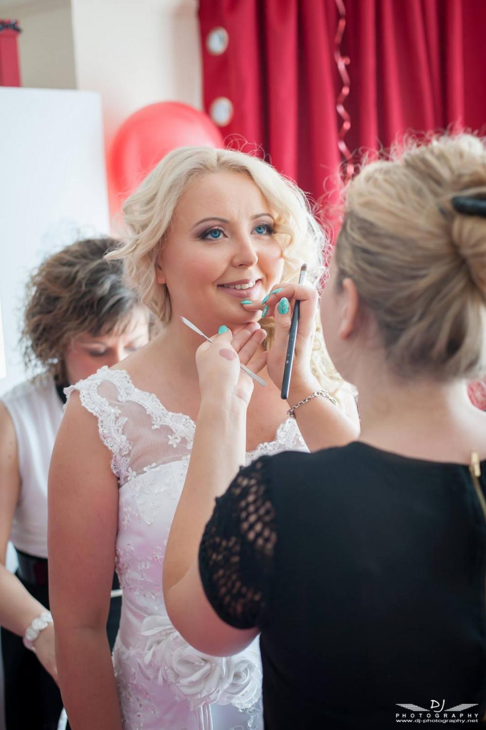 Final touches just before the ceremony! Makeup by ZydreZi - Make Me Bridal Artist: ZydreZi. #naturalmakeup #blonde #weddingmorning #gettingready #bridalmakeup #meatwork #prep #elegant #perfectmakeup #weddingmakeup #naturalweddingmakeup #softcurls