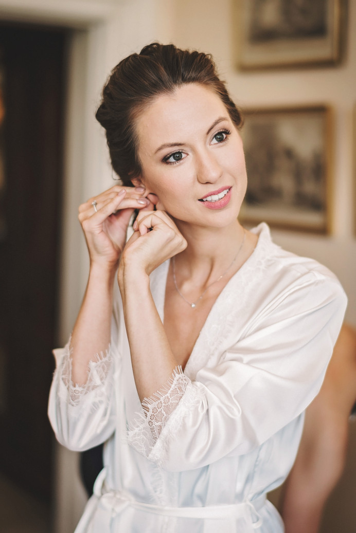 - Make Me Bridal Artist: Story Hair and Makeup. Photography by: Matthew Bishop. #classic #glamorous #bridalmakeup #elegant