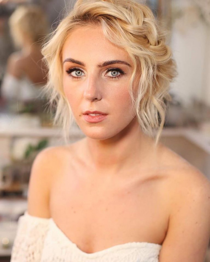 - Make Me Bridal Artist: aamua. Photography by: Kristina Gasperas. #classic #glowingskin #naturalweddingmakeup #naturalbridal #modernbride