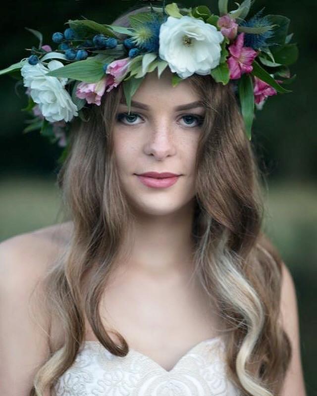 - Make Me Bridal Artist: aamua. #naturalmakeup #bohobride #freckles #bohomakeup #naturalskin