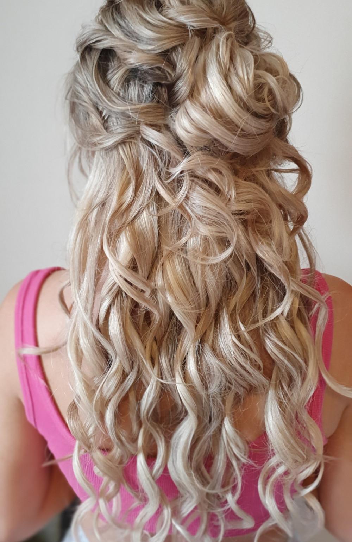 - Make Me Bridal Artist: Bridal Hair Artist Yuki Black. #bohemian #classic #halfuphair #blonde #weddinghair #wavyhair #beachwaves #longhair #blondebride